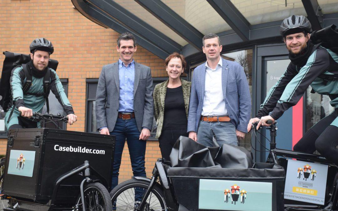 Fietskoeriers Nijverdal officieel van start